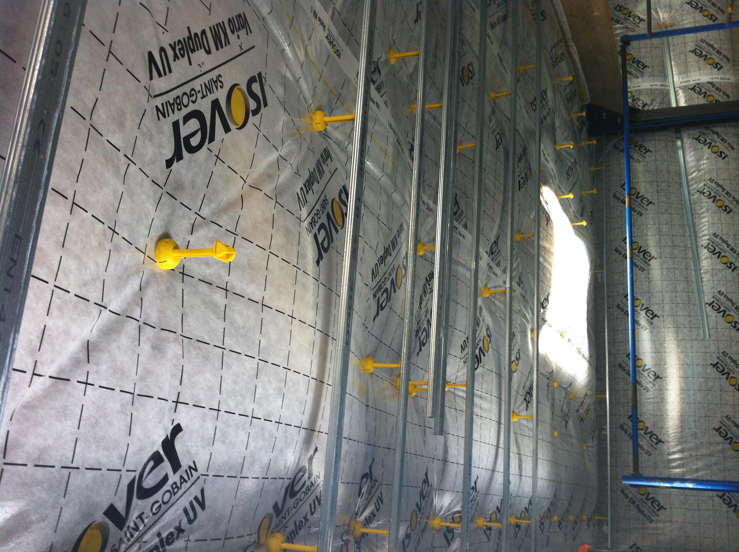 Une maison 100 tanche lazinguerie2 - Fixation laine de verre ...